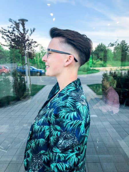 kobieca-fryzura-galeria-zdjec-czarne-wlosy-damski-fade-najlepszy-fryzjer-poznan