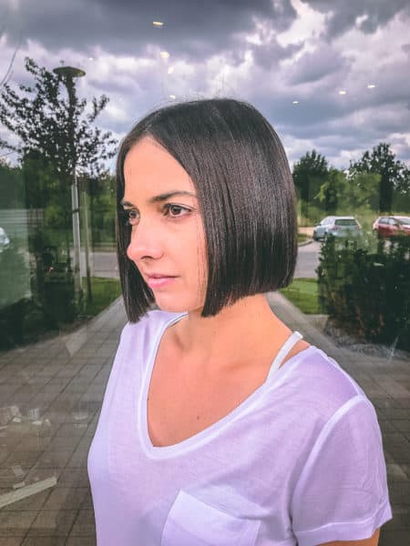 kobieca-fryzura-galeria-zdjec-czysty-chlodny-odcien-czerni-najlepszy-fryzjer-poznan