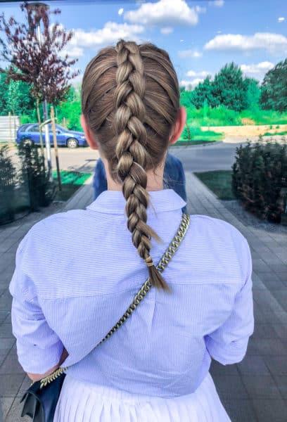 kobieca-fryzura-galeria-zdjec-dokladany-warkocz-wlosy-blond-najlepszy-fryzjer-poznan