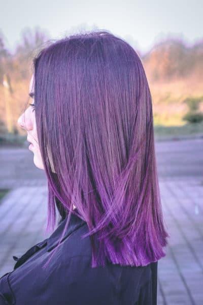 kobieca-fryzura-galeria-zdjec-fioletowe-wlosy-sredniej-dlugosci-najlepszy-fryzjer-poznan