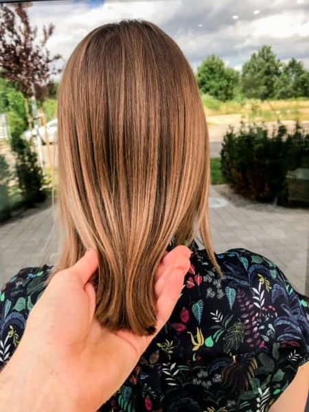 kobieca-fryzura-galeria-zdjec-koloryzacja-z-naturalnymi-pojasnieniami-najlepszy-fryzjer-poznan