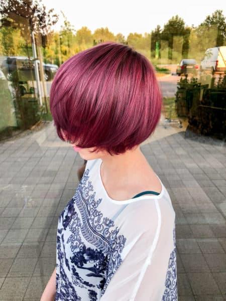 kobieca-fryzura-galeria-zdjec-rozowa-koloryzacja-wlosy-krotkie-najlepszy-fryzjer-poznan