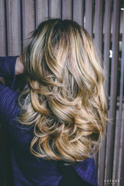 kobiece-dlugie-loki-blond-sombre-galeria-zdjec-najlepszy-fryzjer-poznan