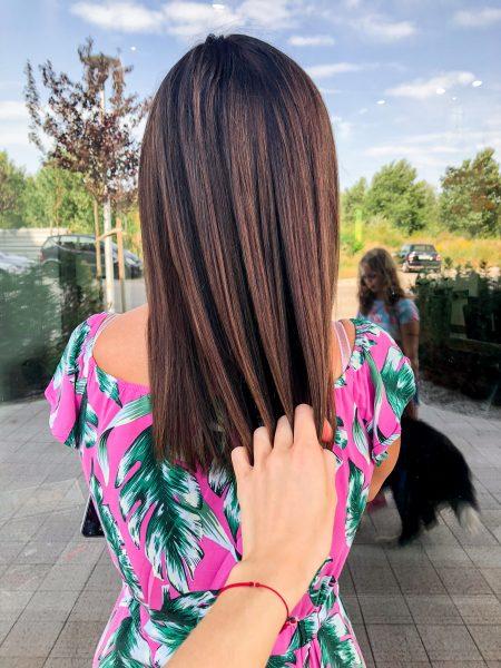 kobieca-fryzura-galeria-zdjec-brazowa-koloryzacja-wielotonowa-z-refleksami-kasztanowymi-wlosy-dlugie-najlepszy-fryzjer-poznan