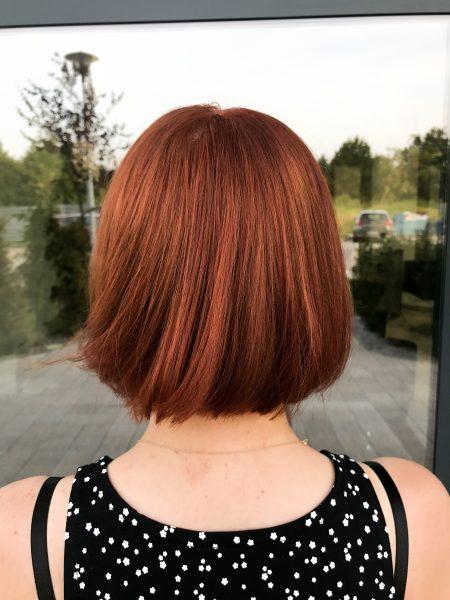 kobieca-fryzura-galeria-zdjec-przepiekna-krotka-brazowa-koloryzacja-najlepszy-fryzjer-poznan
