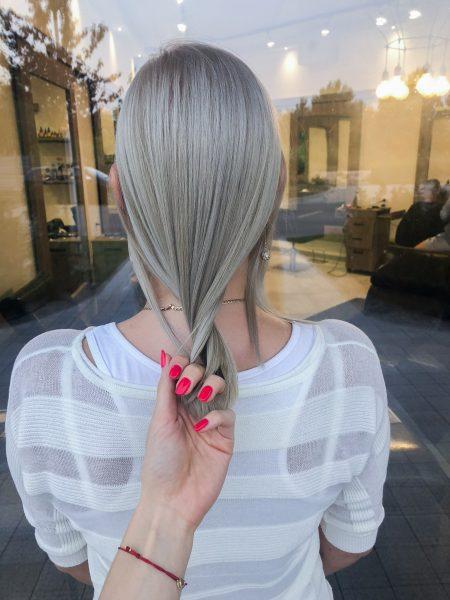 kobieca-fryzura-galeria-zdjec-chlodny-odcien-blondu-najlepszy-fryzjer-poznan