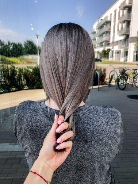 kobieca-fryzura-galeria-zdjec-cudowny-szary-odcien-na-wlosach-najlepszy-fryzjer-poznan