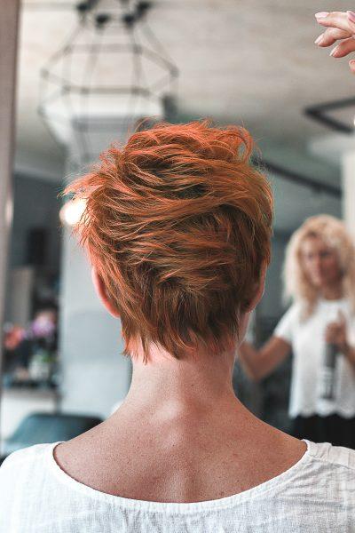 kobieca-fryzura-galeria-zdjec-kolor-rudy-z-elementami-brazu-najlepszy-fryzjer-poznan