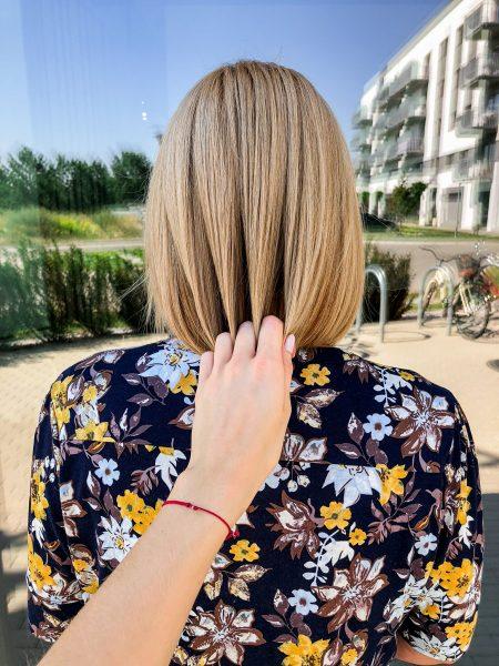 kobieca-fryzura-galeria-zdjec-koloryzacja-jednolita-odcien-blondu-najlepszy-fryzjer-poznan
