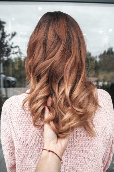 kobieca-fryzura-galeria-zdjec-koloryzacja-wielotonowa-odcien-blondu-najlepszy-fryzjer-poznan
