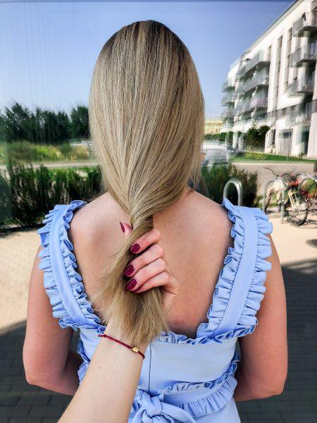 kobieca-fryzura-galeria-zdjec-naturalny-odrost-dlugosci-wlosow-blond-najlepszy-fryzjer-poznan