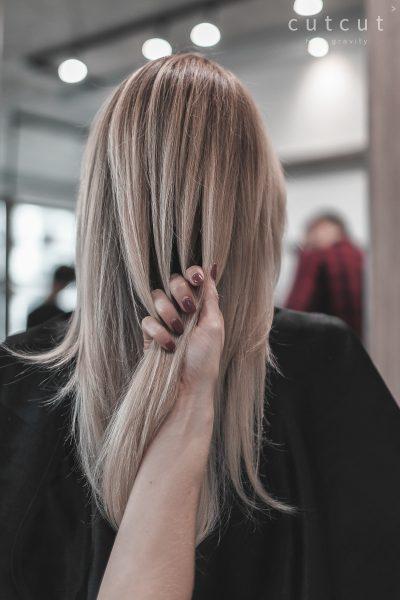 kobieca-fryzura-galeria-zdjecwielotonowa-blond-koloryzacja-najlepszy-fryzjer-poznan