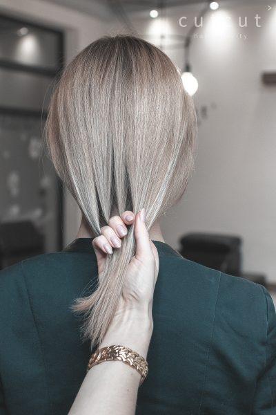 kobieca-fryzura-galeria-zdjec-delikatny-odcien-blondu-najlepszy-fryzjer-poznan