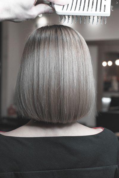 kobieca-fryzura-galeria-zdjec-idealnie-schlodzony-blond-najlepszy-fryzjer-poznan