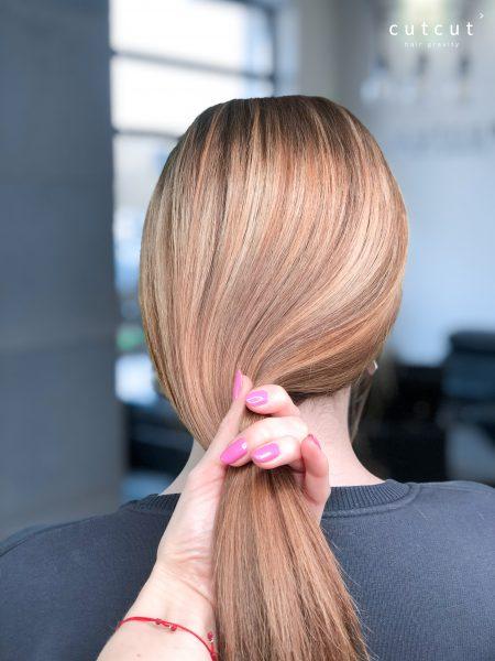 kobieca-fryzura-galeria-zdjec-efekt-naturalnych-pojasnien-najlepszy-fryzjer-poznan
