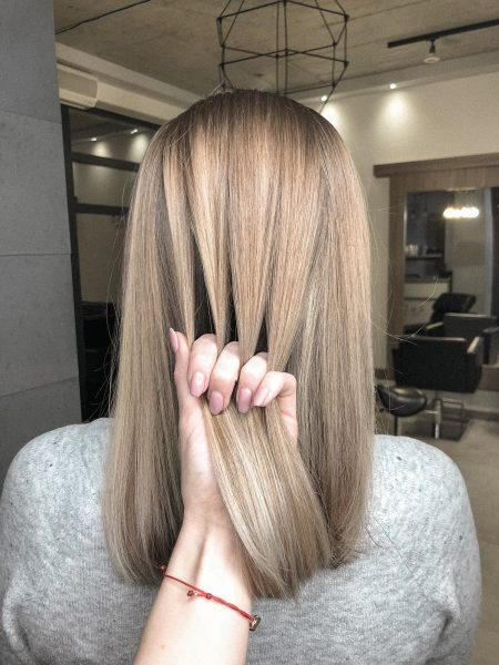 kobieca-fryzura-galeria-zdjec-wielotonowa-koloryzacja-w-odcieniach-blondu-najlepszy-fryzjer-poznan