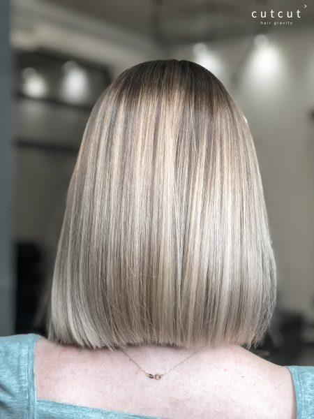 kobieca-fryzura-galeria-zdjec-klasyczna-i-prosta-koloryzacja-z-naturalnym-odrostem-najlepszy-fryzjer-poznan