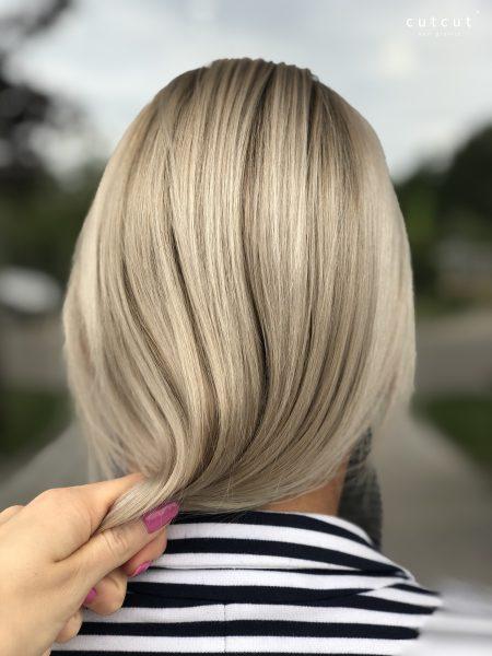 kobieca-fryzura-galeria-zdjec-baleyage-w-chlodnych-odcieniach-blondu-najlepszy-fryzjer-poznan