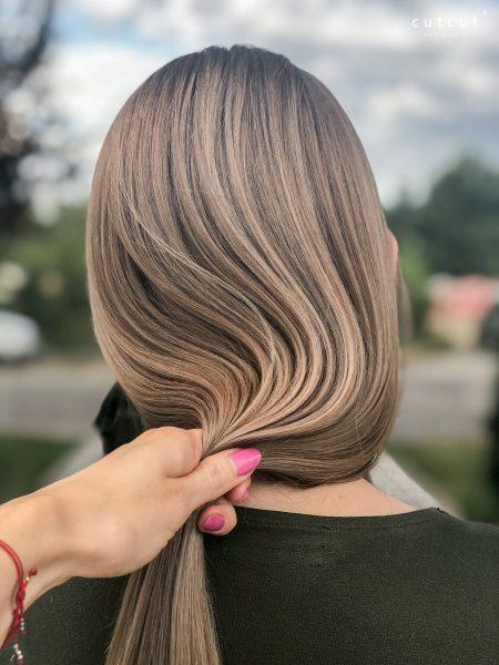 kobieca-fryzura-galeria-zdjec-subtelne-refleksy-najlepszy-fryzjer-poznan