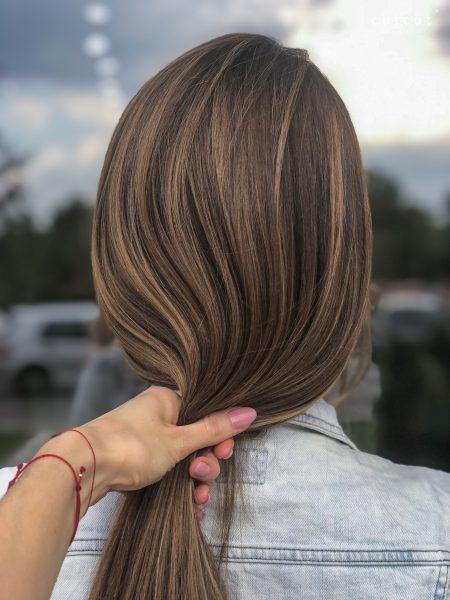 kobieca-fryzura-galeria-zdjec-pojasnienia-w-naturalnych-odcieniach-najlepszy-fryzjer-poznan