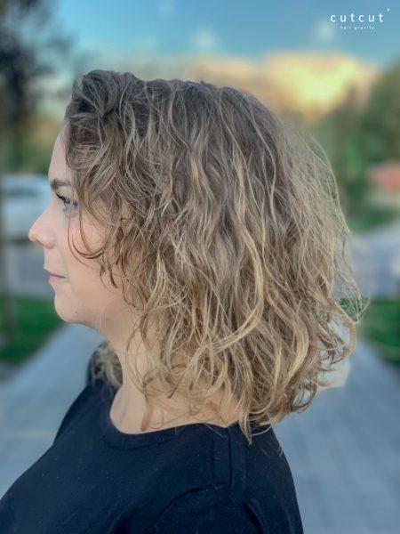 kobieca-fryzura-galeria-zdjec-strzyzenie-w-wykonaniu-piotra-2-najlepszy-fryzjer-poznan (2)