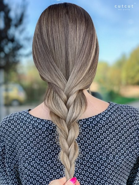 kobieca-fryzura-galeria-zdjec-refleksy-w-chlodnych-tonacjach-najlepszy-fryzjer-poznan
