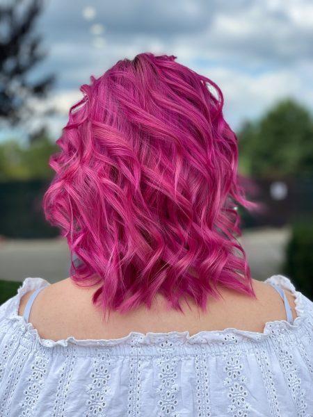 kobieca-fryzura-galeria-zdjec-intensywny-roz-najlepszy-fryzjer-poznan