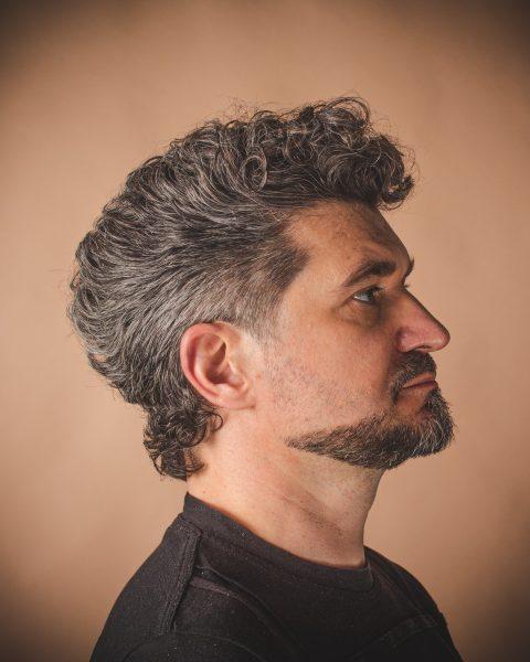 meska-fryzura-galeria-zdjec-wlosy-krecone-najlepszy-fryzjer-poznan
