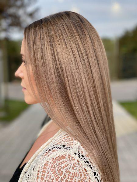kobieca-fryzura-galeria-zdjec-przepiekny-odcien-z-delikatnym-refleksem-najlepszy-fryzjer-poznan